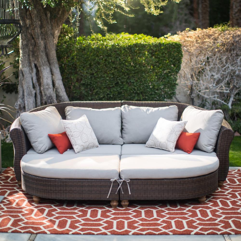 curved-outdoor-sofa